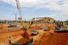 Nên giãn tiến độ xây mới Bến xe miền Đông
