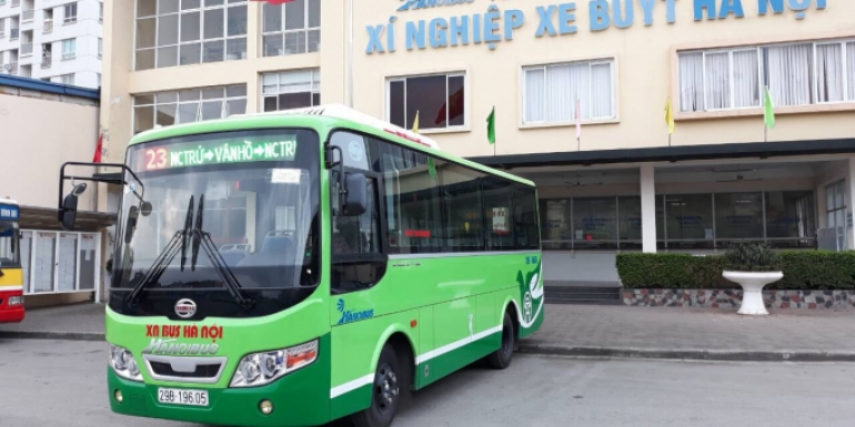 Ha Noi: SAMCO supplies bus route No. 23 with 13 new type buses