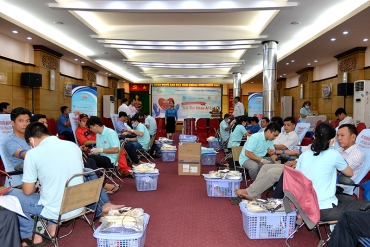 "10th humanitarian blood donation 2018 entitled ""Hearts of compassion"""