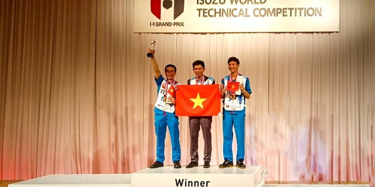 Kỹ thuật viên của SAMCO (thuộc đội Isuzu Việt Nam) đạt giải nhất cuộc thi kỹ thuật viên ISUZU toàn cầu 2019.