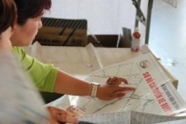SAMCO tài trợ chương trình tặng bản đồ xe buýt cho người dân TP.HCM